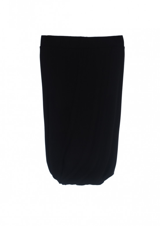 Black skirt with pleats