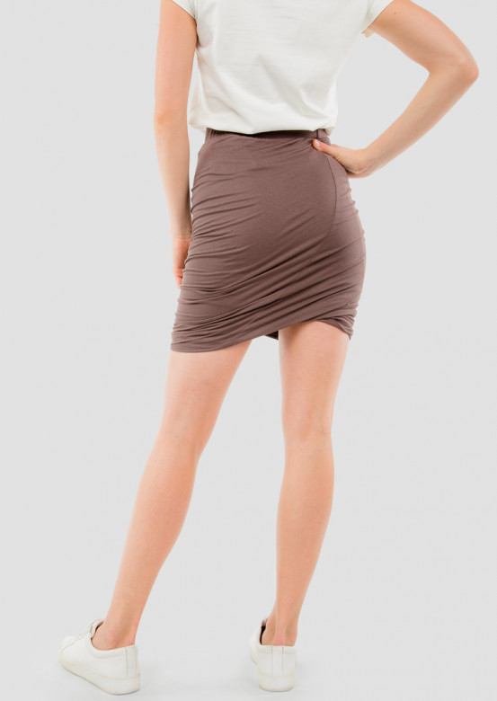 Chocolate skirt with pleats