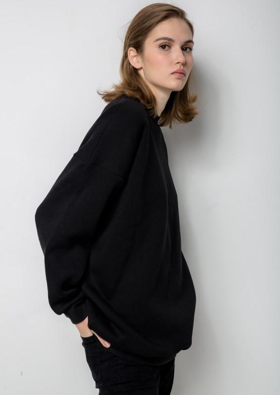 Black long oversize sweatshirt
