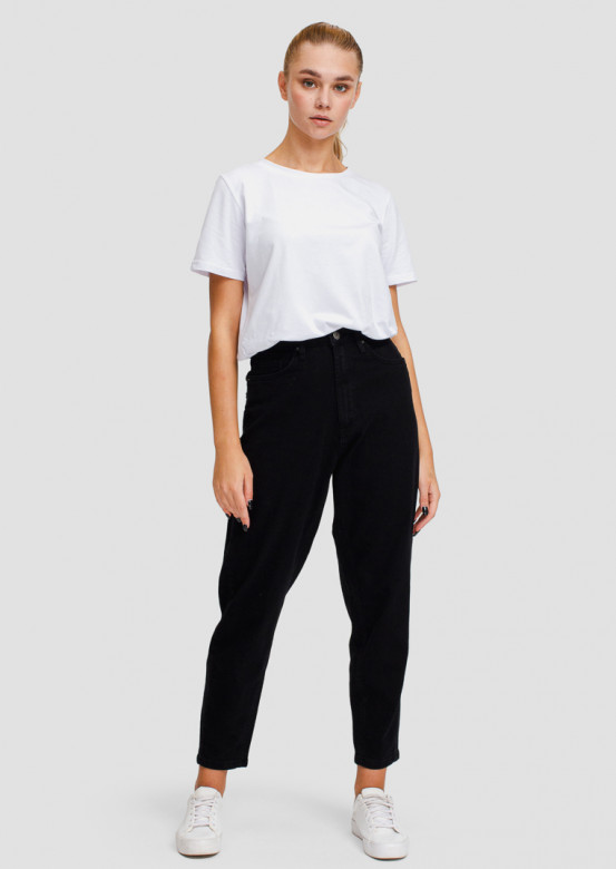 Black high-waisted jeans with arrow