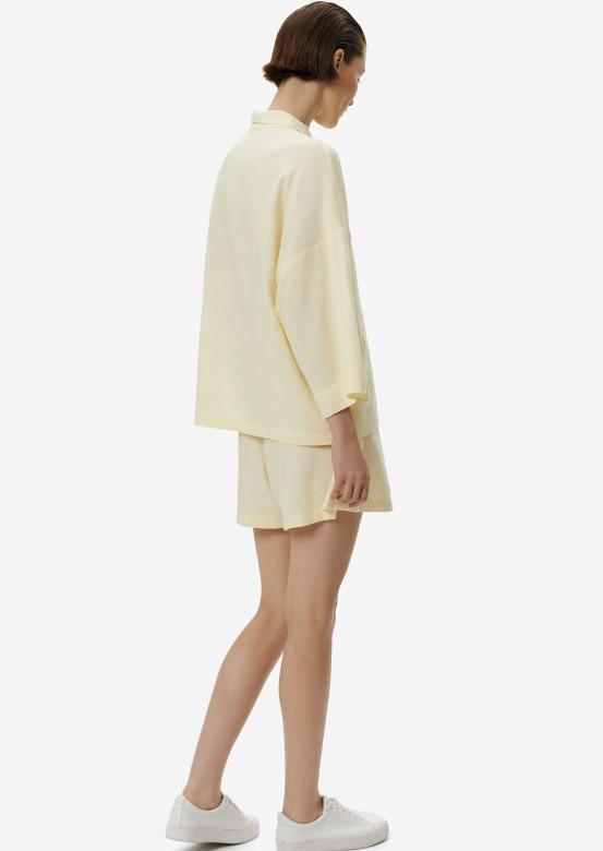 Lemon meringue suit with a linen shirt
