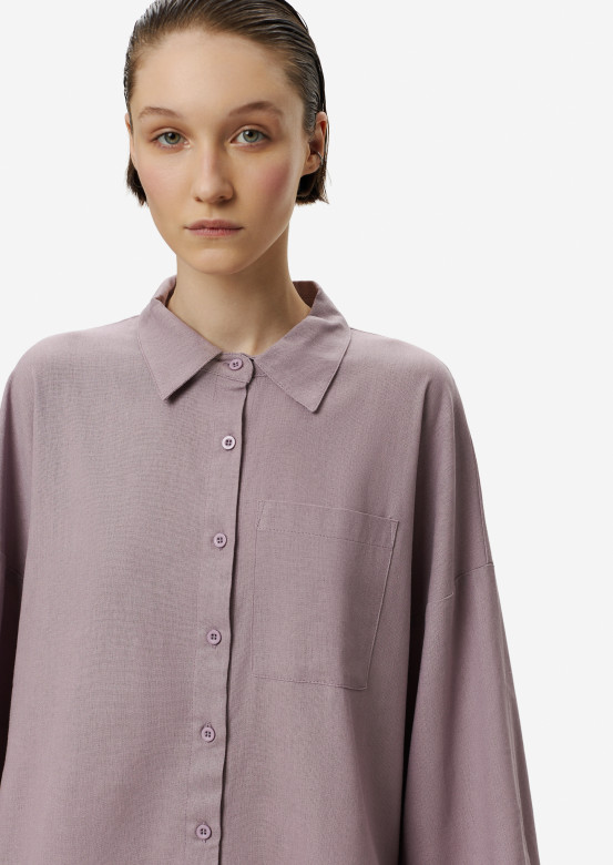 Light lilac suit with a linen shirt
