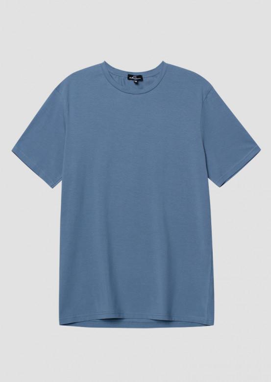 Men jeans colour T-shirt